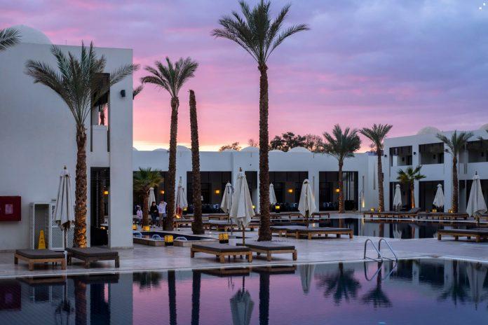 Hotels Versus AirBnB 2020